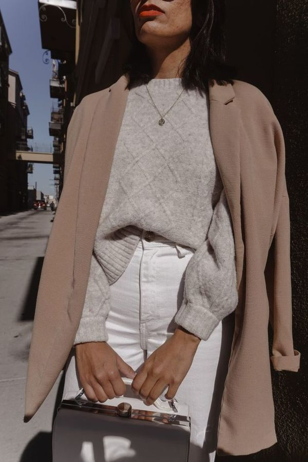 Neutral Winter Outfit   Roupas moda inverno, Roupa neutra, Vestuário  elegante