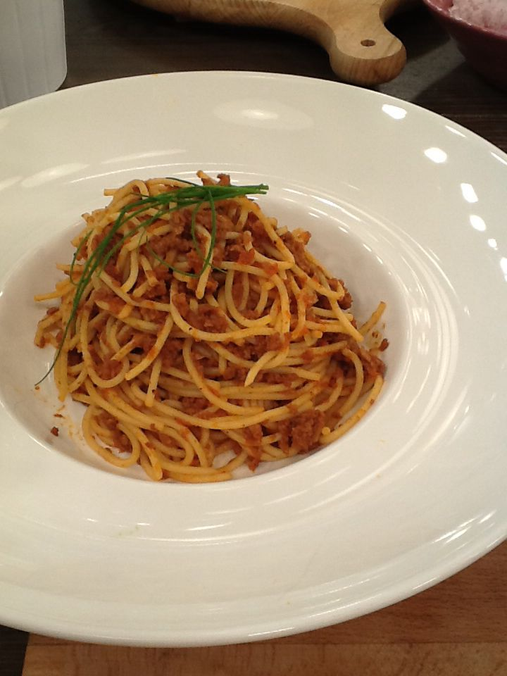 Spagetti with (cheats minced meat) soya sauce, great for vegetarians http://www.instyle.gr/recipe/nistisima-makaronia-kima-sogias/