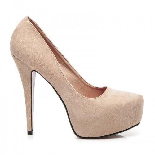 Dámské lodičky Bety hnědé – hnědá Prostě sexy! Jednobarevné lodičky na platformě by měla mít v botníku každá z nás. Kromě toho, že skvěle vypadají, sklon nohy je efektivně zmírněn platformou. Lodičky mají pohodlnou vložku …