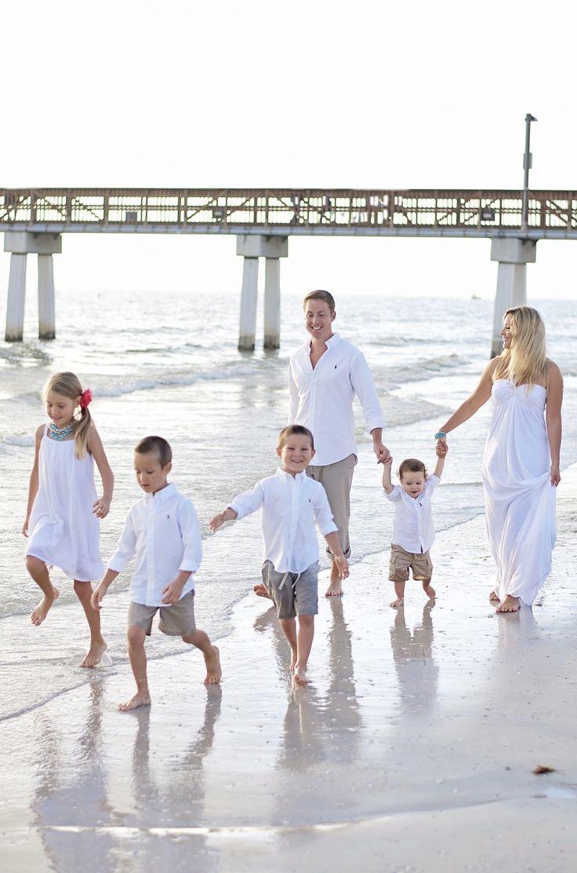 Ideas for family pics at the beach!! family beach photos