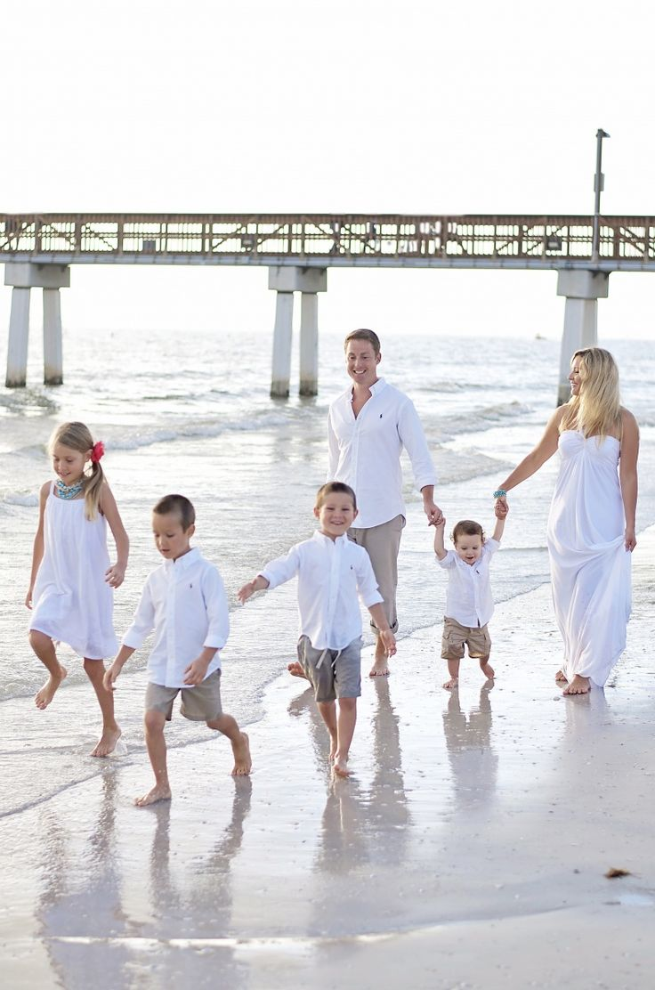 1000+ Images About Family Beach Photo Shoot On Pinterest | Beach Portraits Beach Family Photos ...