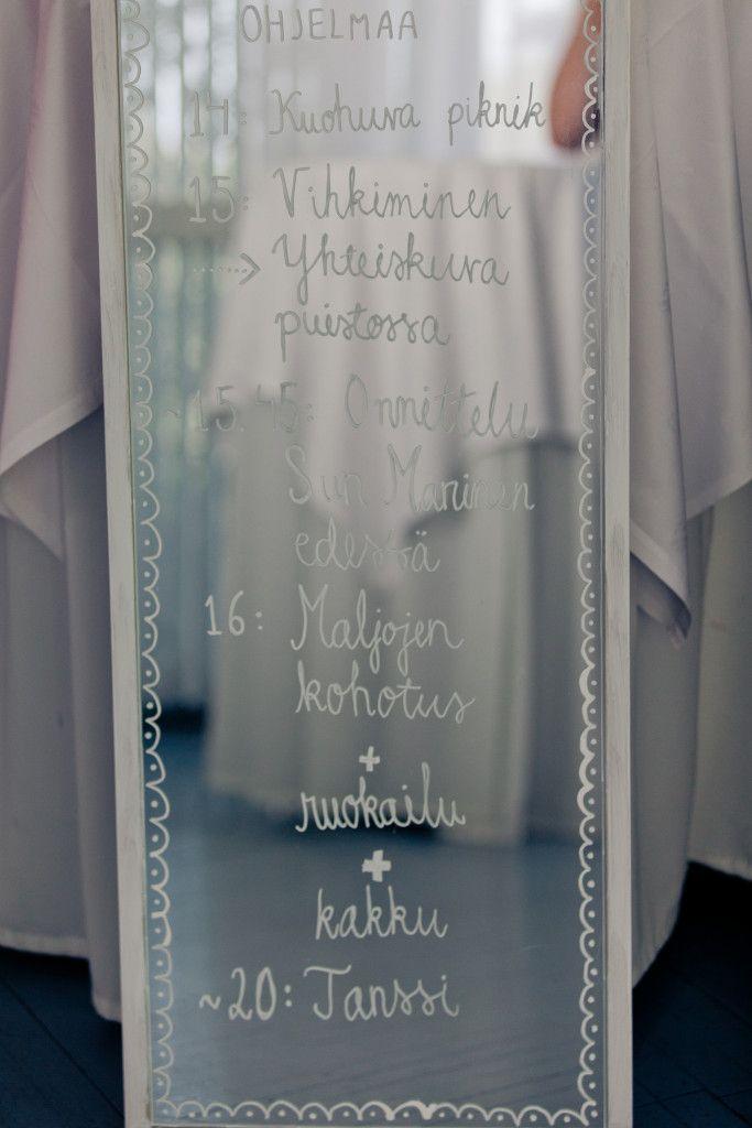 Ohjelma kirjoitettuna peilille