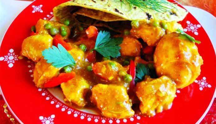 Surinaams eten – Sandhia's Roti Dési Masala (Surinaamse roti met kip masala in romige masala saus)