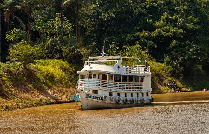 Macerayla dolu Amazon Nehri gezisinde Santarém içlerinde yolculuk BREZİLYA