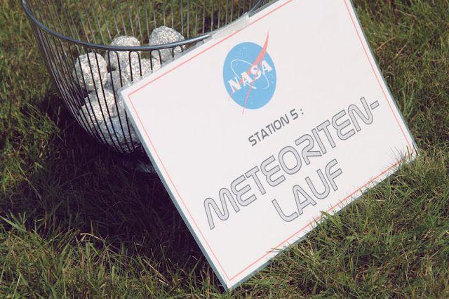 Also … hier nun ENDLICH der angekündigte 2. Teil der Space Party …  lang genug hat es ja gedauert (Asche auf mein Haupt) !     Statio…
