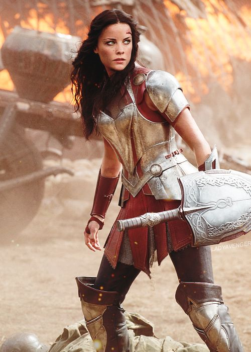I just love her armor. It's actually ARMOR, not some skimpy costume that'll get her killed within minutes.