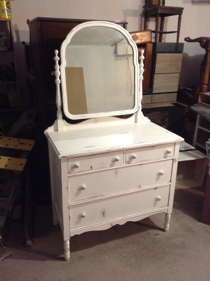 The outer dresser to the flowered paper! $165