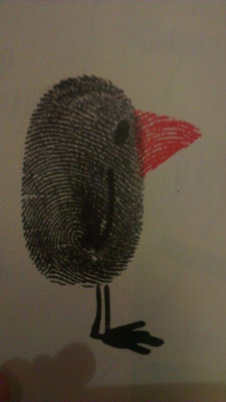 Vogeltje gemaakt van een vingerafdruk. Nog veel meer mogelijkheden. Gezien in boek van djello.nl