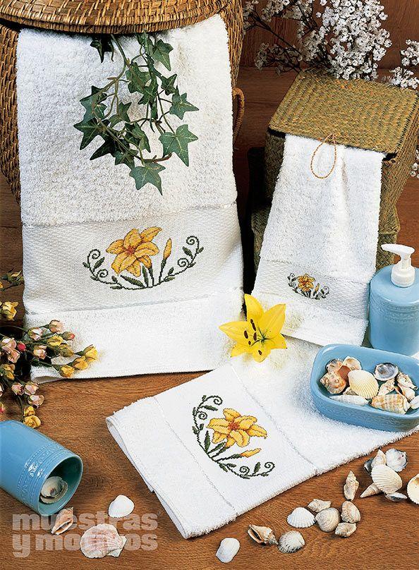 1000 images about toallas en punto de cruz on pinterest - Muestras y motivos punto de cruz ...