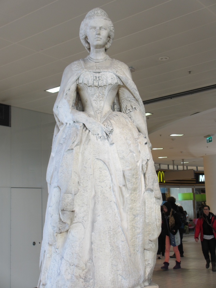 Statue, Westbahnhof of Empress Elisabeth of Austria (Sisi, due to the movie also known now as Sissi, 1837-1898)