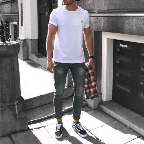 T-shirt: ConverseShirt: ZaraJeans: H&MShoes: Vansmore here