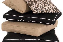 Leuke combinatie! Het Leopard dessin in combinatie met de casual black en de havana Jute. Mooi weer van #Hartman! #Tuinkussens