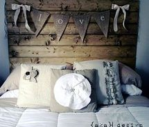 Oh gosh! This is too cute! I need to actually decorate my bedroom soon!