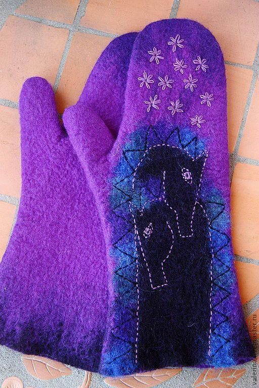 """Купить Варежки """"ЛОШАДКИ"""" - тёмно-фиолетовый, рисунок, варежки, валяные варежки, лошадка"""