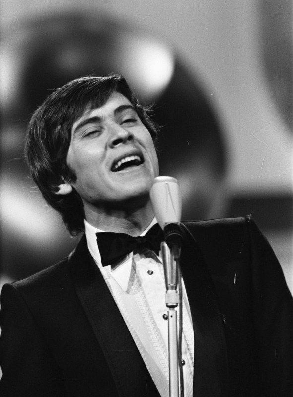 Gianni Morandi, Famous Italian singer.