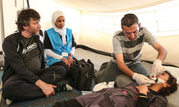 'So many ways to die in Syria now': Neil Gaiman visits a refugee camp in Jordan
