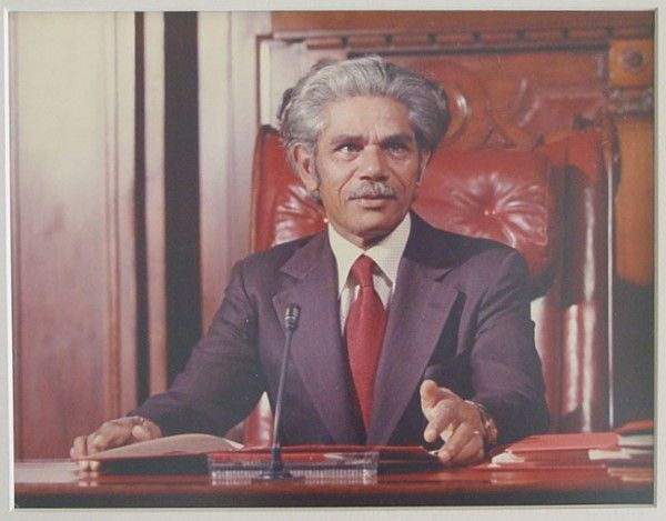 First Aboriginal Senator Chosen May 23, 1971 First Aboriginal Senator Chosen Neville Bonner, the Queensland President of the One People of Australia League, is certain to become the first Aboriginal member of an Australian parliament