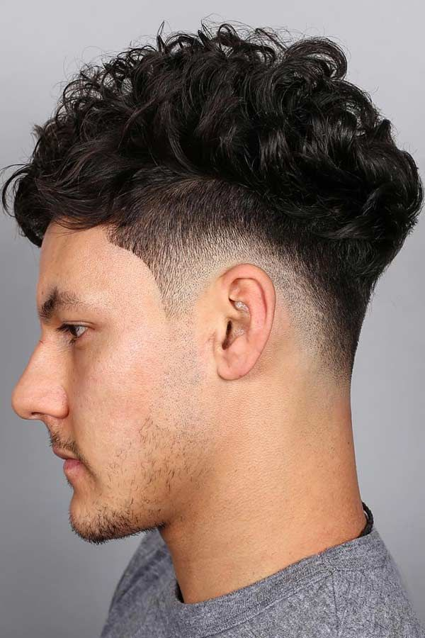 Curly Top Taper Fade Taper Taperfade Curlyhair No Matter Who You Are You Can Wear A Taper Fade Haircut Taper Fade Haircut Drop Fade Haircut Fade Haircut