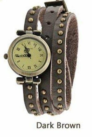 Elegant Leather Strap Rivets Wrist Watch