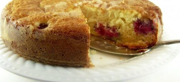 Raspberry Buttermilk Cake | Dishin and Dishes