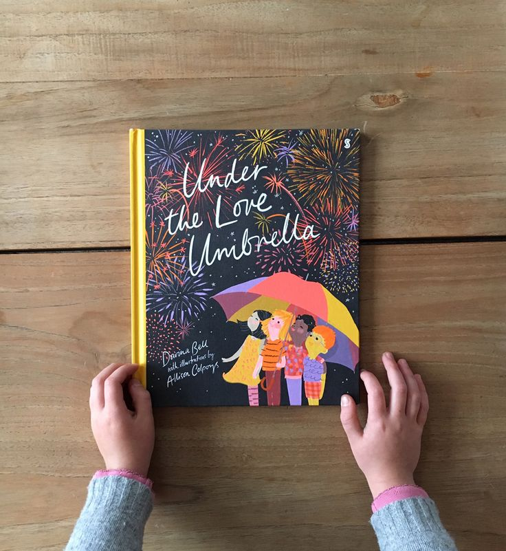 I have recently discovered the work of Davina Bell and Allison Colpoys through their delightful award winning picture book, 'The Underwater Fancy Dress Parade'. Theirlatest creation 'Under the Love Umbrella' is just as wonderful and it's aloving delightfor this time of year.