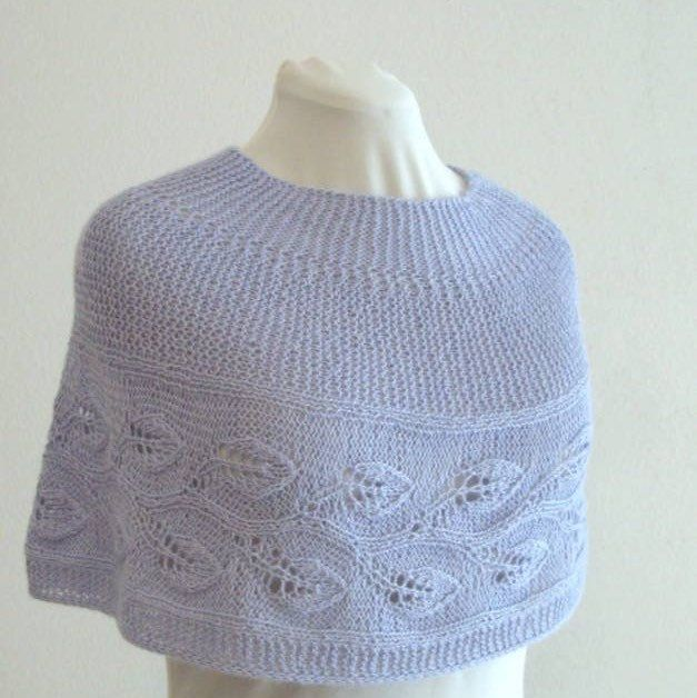 Knit capelet, light and soft.