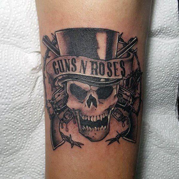 40 Guns And Roses Tattoo Designs Fur Manner Hard Rock Band Ink Ideen Mann Stil Tattoo Rose Tattoos Tattoo Designs Men Tattoos