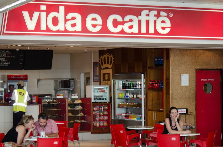 WELCOME. The inviting casual look and feel of the Vida e caffe stores is what lures customer, that and the friendly staff who always manage to put a smile on your face with their pleasant cheers.