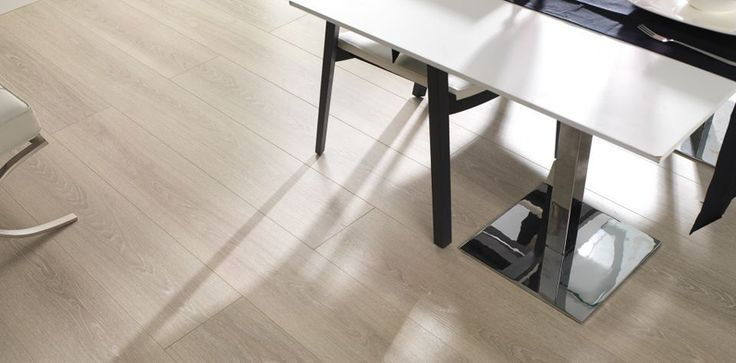 Blanco Decapé | Supreme quality Laminate Flooring by L'antic Colonial | Available in TileStyle