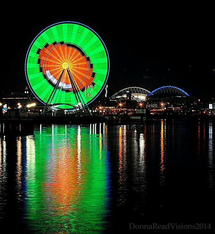 Awesome! The Seattle Great Wheel dressed up in Seahawks colors and #football