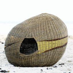 Willow basket, by Ane Lyngsgaard (Pileriet)