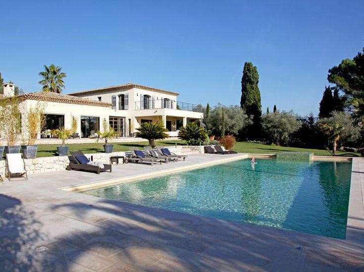 piscine des exemples de bassins qui font r ver maison fantaisiste soleil et villa de luxe. Black Bedroom Furniture Sets. Home Design Ideas