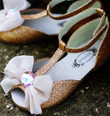 "Joyfolie ""Ciara"" shoe: Summer Sandals, Joyfoli Shoes, Joyfoli Ciara, Kids Fashion, Kids Shoes, Flowers Girls, Girls Shoes, Ciara Girls, Kids Clothing"