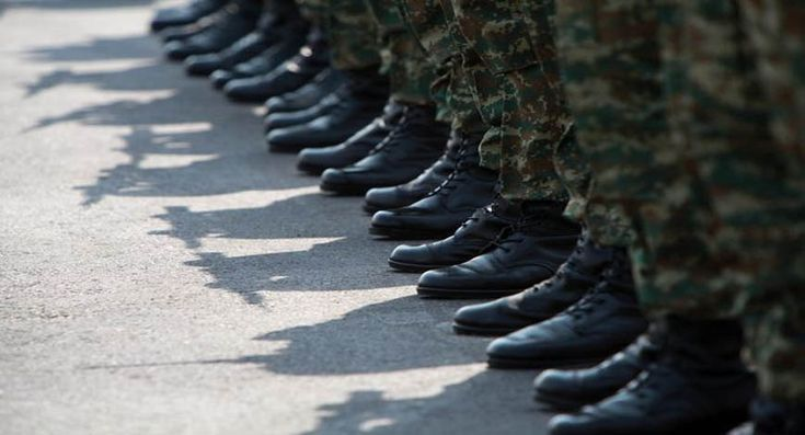 Σκάνδαλο με τα είδη ένδυσης στο στρατό με «λεία» 200 εκατ. ευρώ