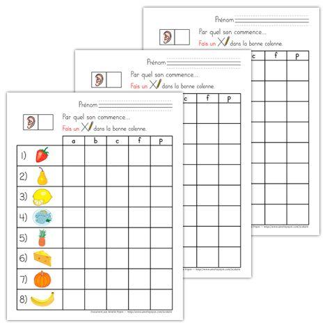 Fichiers PDF téléchargeables En couleurs et en noir et blanc 3 pages L'élève doit trouver par quel son commence chacune des 8 images en traçant un X dans la bonne colonne. Le document contient 3 pages avec les mêmes images placées dans un ordre différent pour éviter la copie d'un élève à l'autre.