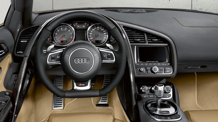 High-performance never felt so light. The Audi R8 Spyder: The advantages of aluminium and carbon are felt faster, than they are explained. Source: Audi AG