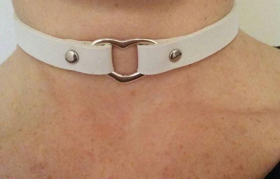 Sieh dir dieses Produkt an in meinem Etsy-Shop https://www.etsy.com/de/listing/262323454/veggie-halsband-mit-herz