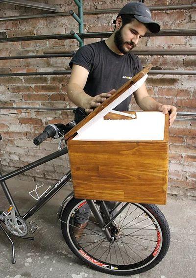 Bike Food, marca Art Trike, baú madeira, bebidas, caixa térmica embutida