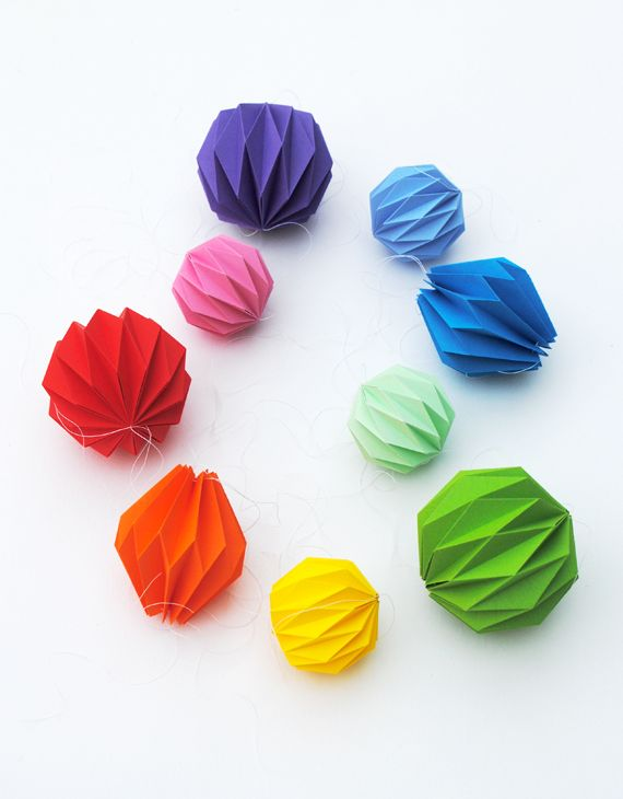 Folded origami decorations // minieco