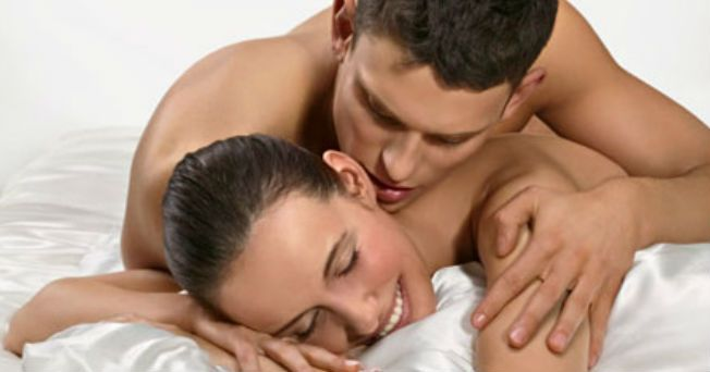 Una buena higiene es imprescindible a la hora de practicar sexo con la pareja. Tanto el hombre como la mujer deben de limpiarse la vagina o los genitales de forma sistemática y rutinaria. Antes de una relación sexual Una limpieza suplementaria es aconsejable, pero no obligatoria, ya que algunas personas prefieren sentir el olor íntimo en vez del aroma a jabón. De hecho, los hombres suelen estar más excitados que las mujeres por los olores sexuales. Aunque no se tengan planeado tener…