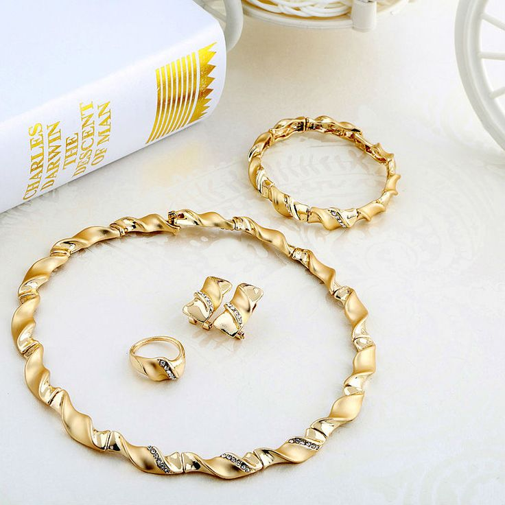 FREE SHIPPING 2014 Trendy Fashion Candy Charm For Women Imitation Gold Wedding Accessories Jewelry Set A068