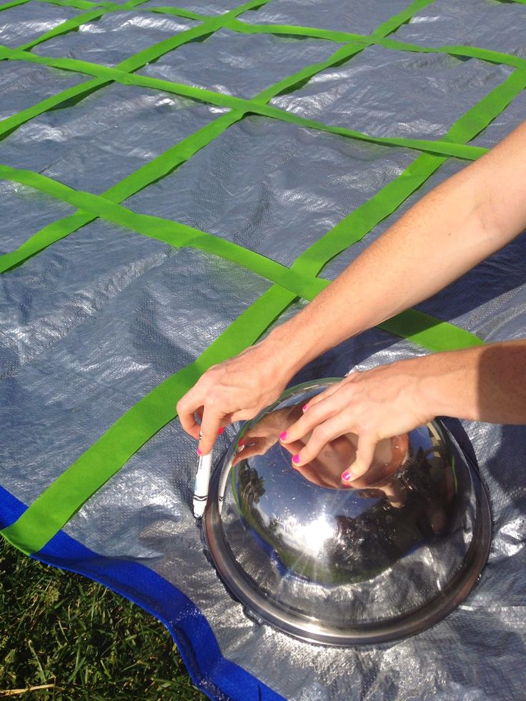 do it yourself divas: DIY: Giant Yard Twister Game with SHAVING CREAM