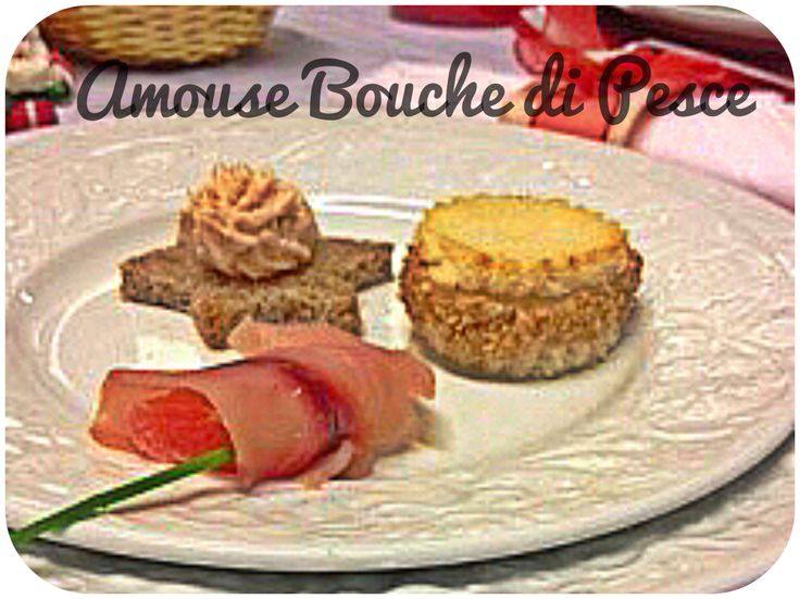 Amouse Bouche di Pesce. Involtino di Spada Affumicato, Crostino con Mousse di Tonno e Mini Sandwich di Gambero