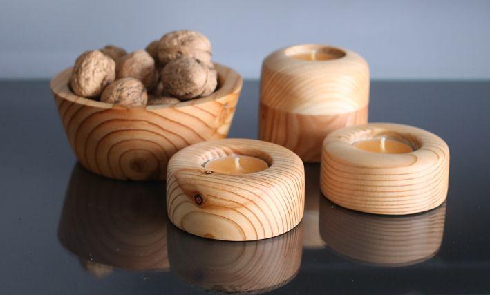Ręcznie wytoczony komplet z modrzewia. Misa oraz świeczniki. Set by hand woodturning of the larch wood. The bowl and candlesticks.