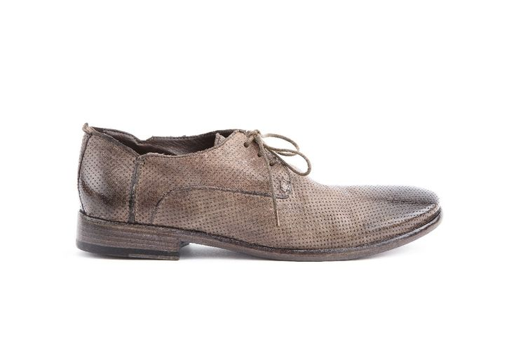 Stringata uomo in pellame Tuffato colore grey. Man lace up Tuffato leather grey color.