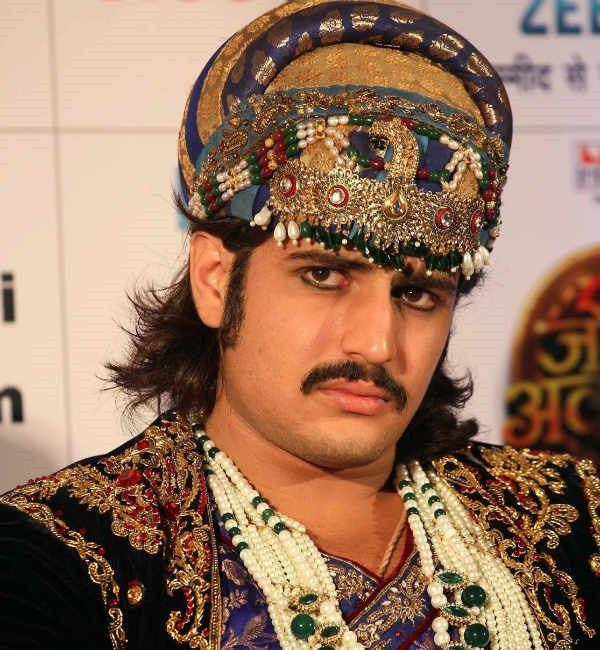 Rajat Tokas Height, Weight, Biceps Size and Body Measurements
