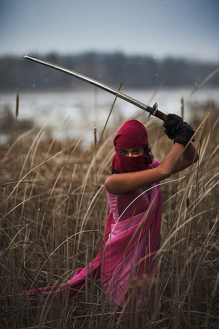 Pink lady ninja.  «Si vis pacem, para rosa».