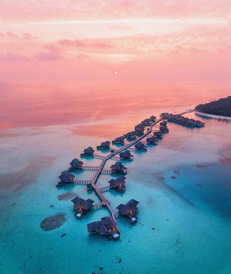 """4 Likes, 1 Comments - Mark Simpkin (@simplyluxurytravel) on Instagram: """"Imagine being laid on a beach in the stunning Maldives with the sun setting into the horizon, get…"""""""
