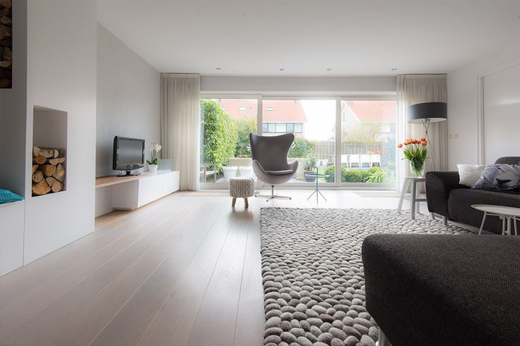 woonkamer interieur grijs wit modern | styling en advies door, Deco ideeën