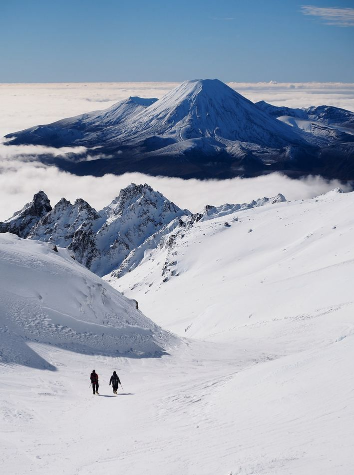 Must Do Hikes For The Adventurous: The Mirage of Ngauruhoe / New Zealand (by blue polaris).